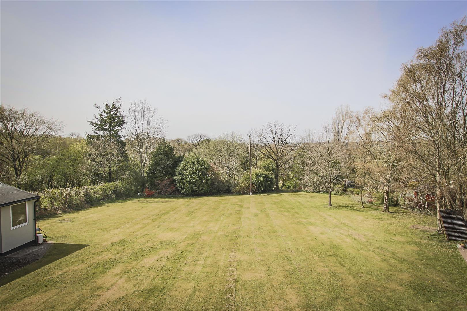 6 Bedroom House For Sale - Image 37